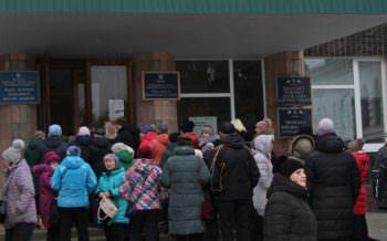Центральный рынок города Изюма бастует из-за бесплатных поездок на Барабашово