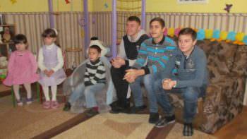 Маленькие изюмчани получили подарки на День Святого Николая