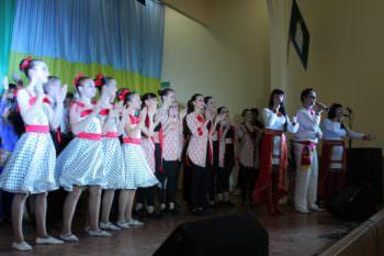 Артисты города Изюма поздравили бойцов АТО с праздником