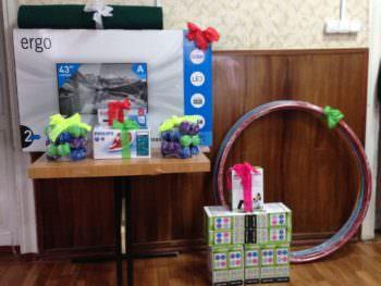 Городская власть Изюма передала в Территориальный центр ценные подарки