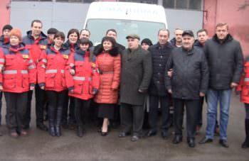 Работники Изюмской станции экстренной медицинской помощи получили 21 комплект  теплой профессиональной одежды