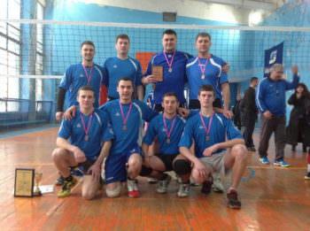 Изюмчани стали призерами межобластного волейбольного турнира