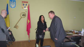 Представитель IDLO,  проекта USAID встретился с мэром Изюма