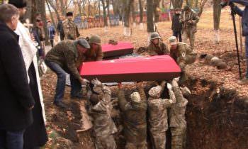 В районе перезахоронили советских воинов