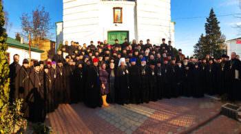 Вчера состоялось епархиальное собрание духовенства Изюмской епархии
