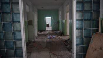 В Изюме начался капремонт бывшей детской железнодорожной поликлиники (фото)