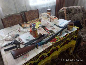Пенсионер дома хранил целый арсенал оружия и боеприпасов