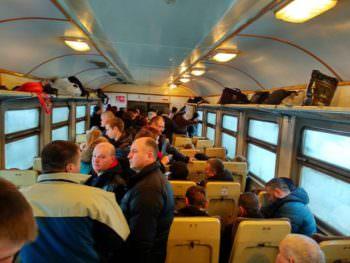 Жители области жалуются на давку в электричке Изюм-Харьков