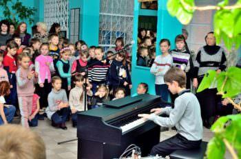 В школах города проходят музыкальные переменки от учеников ИДМШ