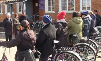 Социальным работникам вручили новые велосипеды