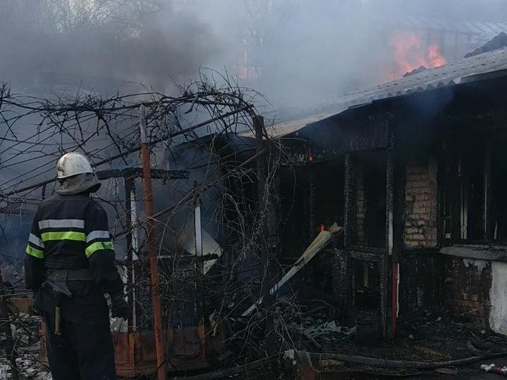 В Изюме на пожаре погиб мужчина