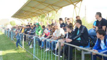 В городе Изюме прошла первая игра по футболу сезона 2019