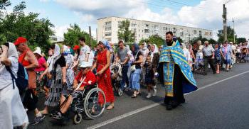 Первая часть Крестного хода с Песчанской иконой Божией Матери прошла в Изюме