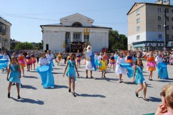 В Изюме прошли праздничные мероприятия, посвященные Дню защиты детей