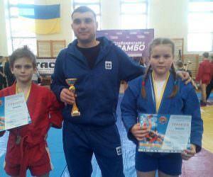 Изюмские спортсмены по Самбо стали лидерами соревнований