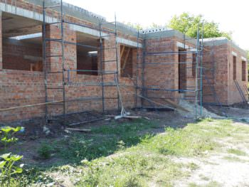 В Боровском районе продолжают строительство медамбулатории