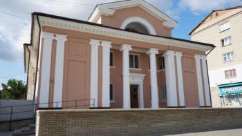 Фасад здания Спартака обновили