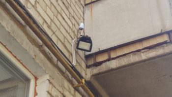 В Изюме все подъезды многоэтажек по ночам будут освещаться