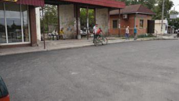 В Изюме уже отремонтированы дороги и тротуары в многих микрорайонах