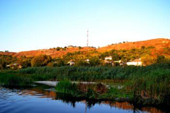 Впервые в Изюме прогулка по реке на самоходном понтонном плоту
