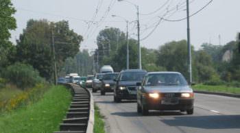 Водители за пределами города должны включать ближний свет фар иначе штраф