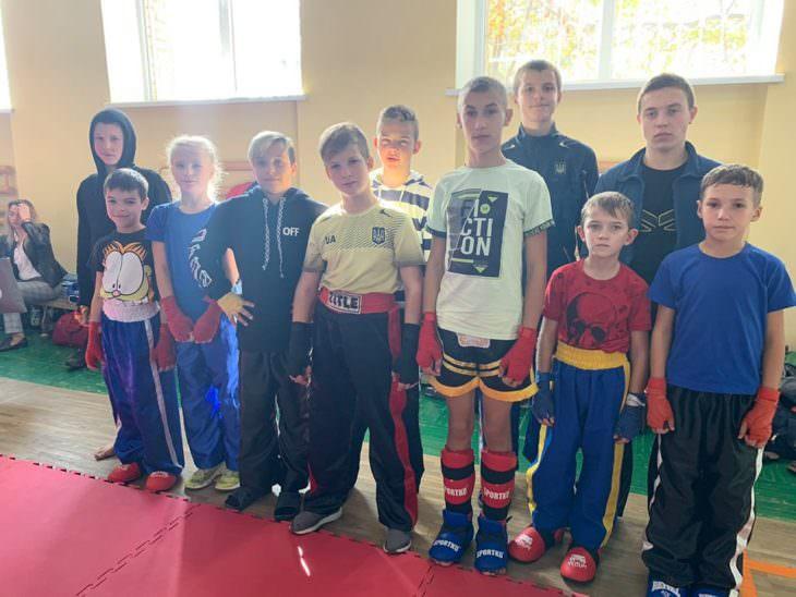 Изюмские кикбоксеры - чемпионы Донецкой области