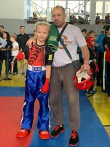 Изюмские кикбоксеры - чемпионы Украины среди школьников