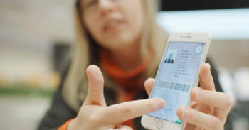 Водительские права в смартфоне и не нужно иметь при себе пластик и техпаспорт