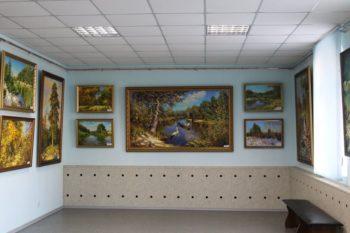 В Изюмском музее открылась выставка - Сергея Капрана
