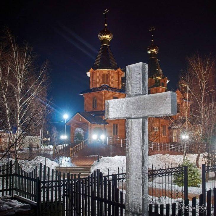 Источник Божией Матери — Кириченкова криница в городе Изюме
