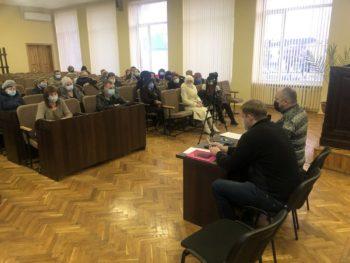 Городская власть встретилась с изюмчанами по ситуации с тарифами в городе
