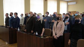 Депутаты Изюмского горсовета, на сессии заседали 13 часов