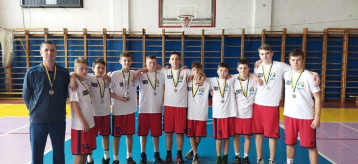 Изюмские баскетболисты - серебряные призеры чемпионата Украины