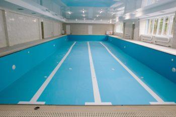 В городе Изюме построили новый бассейн