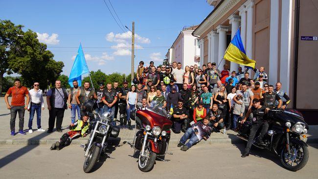 В Изюме проехали байкеры  - Мотопробег «За единство Украины»
