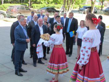 Делегации из Латвии, Польши и Грузии посетили город Изюм