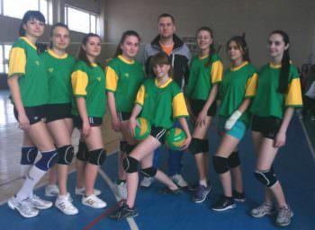 Девушки-волейболистки Изюма приняли участие в обл. Спартакиаде