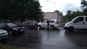 В Изюме машина полицейских попала в ДТП