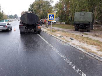 В городе Изюме военный автомобиль «МАЗ» попал ДТП