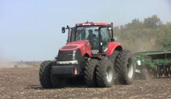 На Изюмщине начинается посев озимой пшеницы на следующий год