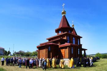 На Изюмщине (в с. Камянка) открыл двери новый храм