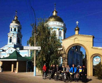 В Изюмскую епархию заезжали паломники велопробега