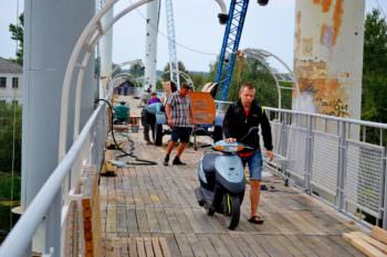 Для Изюмчан закон не писан: Пешеходный мост