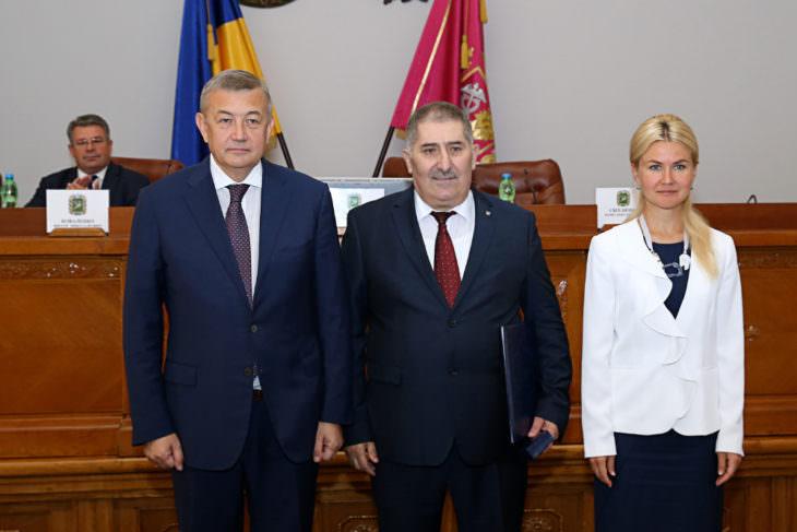 Секретарь Изюмского горсовета получил грамоту Верховной Рады Украины