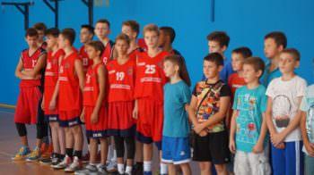 В Изюме состоялся турнир по баскетболу «Золотая осень»