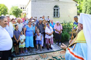 В Изюме освящено нововоздвигнутую колокольню в Преображенском храме