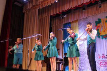 Изюмчани с большим успехом выступили на фестивале народной музыки и песни