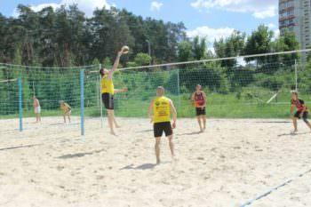 Изюмчани участвовали в соревнованиях по пляжному волейболу